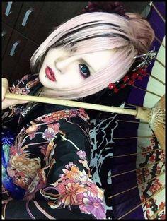 """Koichi """"大家新年快樂啊!!! 2014到來感覺超不真實的XD 我一定要為自己擬訂個計畫 當然一定會有MEJIBRAY在內的XDD"""""""