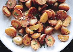 Crispy Salt-and-Vinegar Potatoes Recipe - Bon Appétit. I only had small russet baking potatoes; Although the baby Yukon gold potatoes would have been better, these were quite tasty. Potato Dishes, Veggie Dishes, Potato Recipes, Vegetable Recipes, Vegetarian Recipes, Cooking Recipes, Healthy Recipes, Sausage Recipes, Cooking Tips