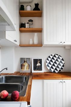 12 KITCHEN SHELVING IDEAS: THE DECORATING DOZEN / sfgirlbybay