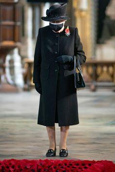 Remembrance Service, Remembrance Sunday, Windsor, Princess Beatrice Wedding, Lady Elizabeth, Elisabeth Ii, Duchess Of York, Isabel Ii, Royal Brides