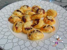 Mini madeleines au chorizo Madeleine Chorizo, Mini Madeleines, Cauliflower, Shrimp, Vegetables, Melted Cheese, Meal, Cooking Recipes, Cauliflowers