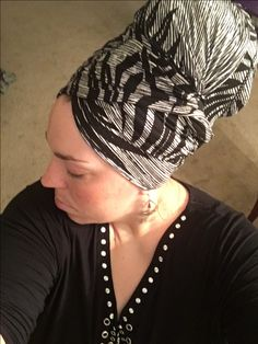 Black and white palm leaves headwrap Flat Platform Sandals, Beautiful Scarves, African Head Wraps, Head Wrap Scarf, Hijabs, Headdress, Wrap Style, Wrapping, Palm