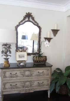 classic and casual entryway stand