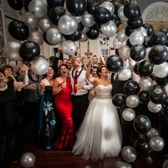 Host a New Years Eve wedding your guests will never forget with these ideas. (Aeris Photography)
