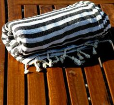 Black Striped Peshtemal >> I want this for the beach!