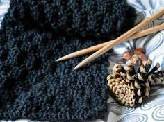 Knitted Tutow ♥ The waffle scarf - Knitting 02 Diy Crochet, Crochet Hooks, Knitting Stiches, Knitting Patterns, Fingerless Mitts, Handmade Polymer Clay, Food Videos, Yummy Food, Homemade