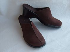 Women's Clarks DK Brown Suede Leather Clogs Mules sz 7.5M  #71101 #Clarks #Clogs