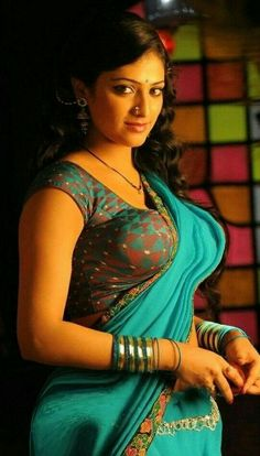 Saree is the only dress that enhances the beauty and sex appeal of an Indian woman. It makes her more beautiful than ever. More confid. Beautiful Saree, Beautiful Indian Actress, Beautiful Actresses, Beauty Full Girl, Beauty Women, Beauty Youtubers, Sexy Blouse, Indian Beauty Saree, Indian Sarees