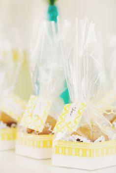 Use muffin tops as favors! Summer Brunch  Party #LetsCelebrate