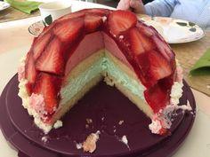 Mai - Torte mit Erdbeeren und Waldmeister, ein leckeres Rezept aus der Kategorie Frühling. Bewertungen: 23. Durchschnitt: Ø 4,4.