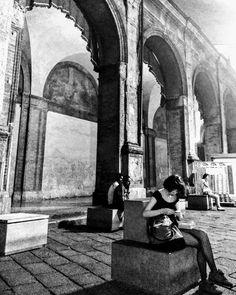#loves_bologna #bologna #city #photographysouls #postthepeople #ourportfolio #peoplewatching #life #world #creative #travel #memory #blackandwhite #flashback #photo #monochrome #bnw_zone #biancoenero #bw_lover