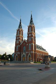 Basilicsa of St. Francis Xavier - Dyersville, Iowa