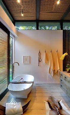 baths-bathtubs-ceiling-lights-clothes-hooks-faucets-sheepskins-hides-hooks-rope-decor