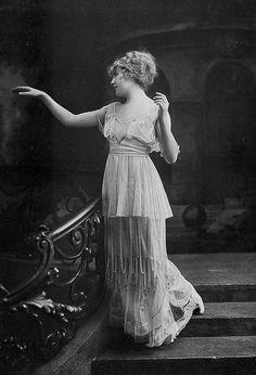 les Modes (Paris) 1914 robe du soir par Paquin