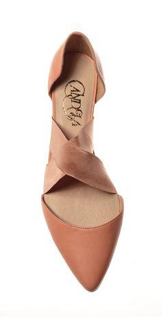 Ballerina pointed flats