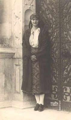 Princess Ileana of Romania Gallery / Princess Ileana Postcard Romanian Royal Family, Romanian Girls, City People, Folk Dance, Ferdinand, Queen Victoria, Royalty, Europe, Parka