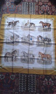 Hermes scarf. Vintage, Les Robes de Philippe Ledoux,1968 d'époque