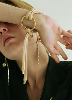 Material: brass, 18k gold plate, polyester / Size: ring diameter 3.9cm