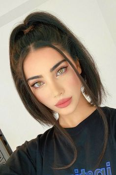Women Hairstyles Shoulder Length Hairstyle idea for Tuesday - ChicLadies. Cute Makeup, Beauty Makeup, Makeup Looks, Hair Makeup, Hair Beauty, Body Makeup, Makeup Art, Hair Inspo, Hair Inspiration