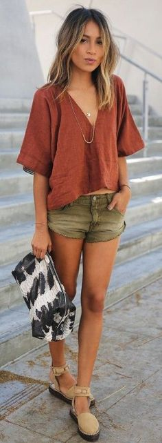 #casualoutfits #spring | Rust Loose Tee + Khaki Shorts | Sincerely Jules
