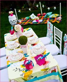 Alice in Wonderland table setting...