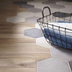 19 Flooring Transitions From Wood to Tile - fancydecors Wood Tile Floors, Kitchen Flooring, Wood Floor, Kitchen Tiles, Floor Design, House Design, Living Room Decor, Interior Design, House Styles