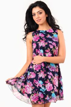 Floral Print Pleated Dress I really like this dress from XXI Cute Dresses, Cute Outfits, Summer Dresses, Floral Dresses, Long Dresses, Vera Wang Dress, Thats The Way, Swing Dress, Dress Me Up