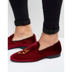 House of Hounds Bark Velvet Loafers ($60) ❤ liked on Polyvore featuring men's fashion, men's shoes, men's loafers, red, mens red shoes, mens red slip on shoes, mens loafer shoes, mens velvet slip on shoes and mens slip on shoes