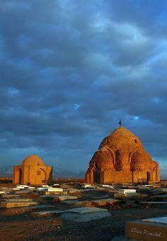 Mehrava domes by Elias Pirasteh, via Flickr