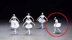 danse classique fail —Ce numéro de danse classique va prendre un tour totalement inattendu. Un raté qui vous fera mourir de rire Copyright © Ohmymag