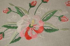 PINK PANSY PANDEMONIUM! VINTAGE GERMAN SPRING HAND EMBROIDERED TABLECLOTH