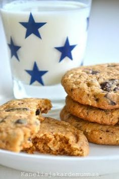Suklaahippu cookies    -      Kanelia ja kardemummaa