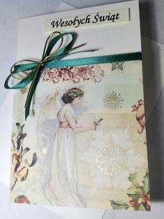 Ręcznie robiona kartka świąteczna z włoskiego papieru ozdobnego ze sproszkowanym złotem. Motyw z aniołem.  Handmade Christmas card with powdered gold. Angel.