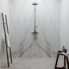 Off our New Collections, including the Mimica Bianco Ravenna Gold Gloss Porcelain Tile. Modern Classic Bathrooms, Modern Bathroom Tile, Bathroom Tile Designs, Bathroom Interior Design, Bathroom Ideas, Family Bathroom, Bath Ideas, Master Bathroom, Bathroom Marble