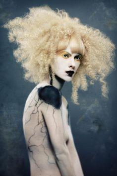 Where Professional Models Meet Model Photographers - ModelMayhem Creative Hairstyles, Up Hairstyles, Hair Rainbow, Avant Garde Hair, Foto Fashion, Extreme Hair, Editorial Hair, Portraits, Wild Hair
