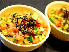 卵黄一個落として食べても美味しいです!^o^ - 39件のもぐもぐ - ノルウェーサーモンとアボガド海鮮丼(^o^)/ by BentoLove