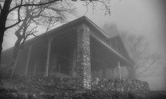 Anyone been up to #PrettyPlace lately? ... #upstatesc #southcarolina #greenvillesc #igersgreenville #yeahthatgreenville #spartanburgsc #greenville360 #gvltoday #instagvl #visitgreenvillesc #fineartphotography #fineartprint #fineartphotographer #bwphotography #scphotographer #blackandwhite #travelphotography #blackandwhitephotography #photographylovers #fog