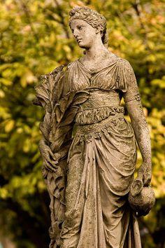 Osijek Lady statue