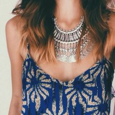 Beautiful - i reallt want a necklace like this!