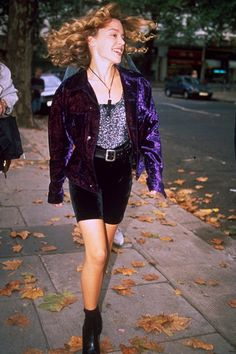http://www.glamourmagazine.co.uk/fashion/celebrity-fashion/2011/06/kylie-minogue-dannii-minogue-sister-fashion-outfits-style-war/viewgallery/628666