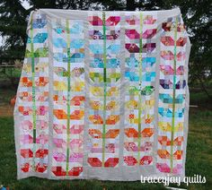 "How fun is this ""Scrappy Sprouts"" quilt top by Tracey Jacobson of Traceyjay Quilts?!?!?"