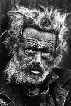 Don McCullin Donald (Don) McCullin(né àLondresle9octobre1935) est unphotographeanglaisréputé pour sesphotographiesdeguerre