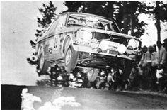 Markku Alen (Volvo 142) Rallye des 1000 lacs - L'Automobile septembre 1973