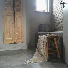 Bathroom rustic Sober stoer landelijk wonen