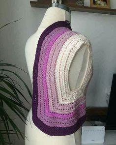 Ideas Crochet Mandala Jacket For 2020 Gilet Crochet, Crochet Jacket, Crochet Baby Hats, Crochet Cardigan, Crochet Shawl, Crochet Clothes, Knit Crochet, Crochet Amigurumi Free Patterns, Crochet Stitches Patterns