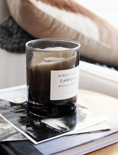 classy-blond-e: Photo by Pella Hedeby Best Candles, Soy Candles, Scented Candles, Candle Jars, Pella Hedeby, Home Scents, Candels, Cute Home Decor, Simple Pleasures