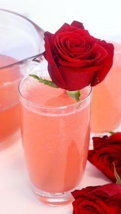 Cinco De Mayo Discover Sparkling Rose Lemonade You wont need rose-colored glasses to enjoy this citrusy floral drink. Refreshing Drinks, Yummy Drinks, Healthy Drinks, Yummy Food, Non Alcoholic Drinks, Cocktails, Beverages, Homemade Rose Water, Rose Lemonade