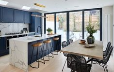 """For a small kitchen """"spacious"""" it is above all a kitchen layout I or U kitchen layout according to the configuration of the space. Kitchen Room Design, Modern Kitchen Design, Kitchen Layout, Home Decor Kitchen, Interior Design Kitchen, Home Design, Home Kitchens, Design Ideas, Kitchen Ideas"""
