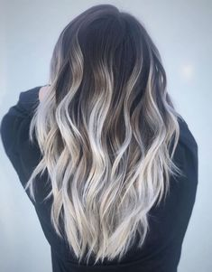 60 Shades of Grey: Silver and White Highlights for Eternal Youth Black Roots And White Blonde Midshaft Balayage White Ombre Hair, White Blonde Hair, Silver Blonde, Brown Hair With Blonde Tips, Black And Blonde Ombre, Black White Hair, Silver Ombre Hair, Silver Ash, Blond Ombre