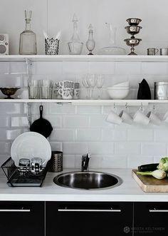 Interieur zwart en witte keuken